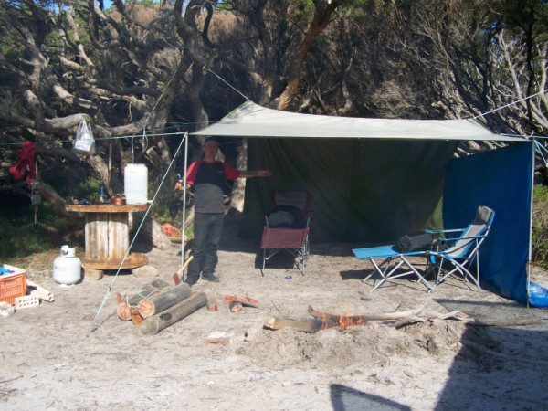 last weekend august point malcolm campsite 004 (600 x 450).jpg