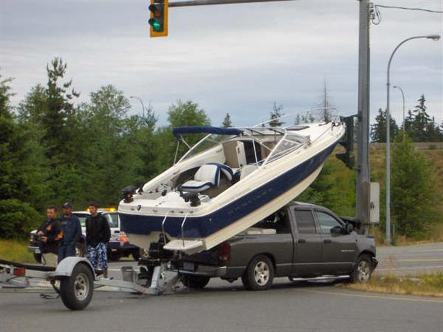 how_to_load_boat_on_truck_4_small_841.jpg